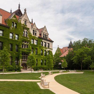 Chicagoi campus borostyánnal belepve